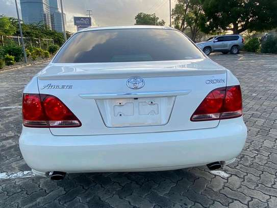 2006 Toyota Crown image 8