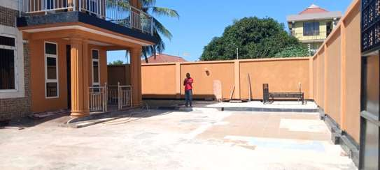 4bed house all ensuet for sale at kigamboni kibada image 6