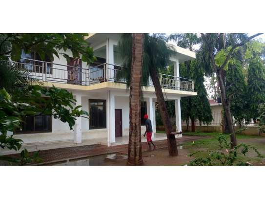 4 bed room beach apartment at kawe beach for rent $800pm image 1