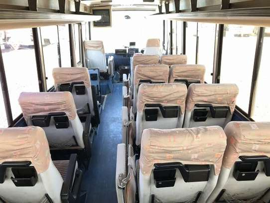 1988 Hino RAINBOW BUS 26SEATER TSHS 33MILLION ON THE ROAD image 9
