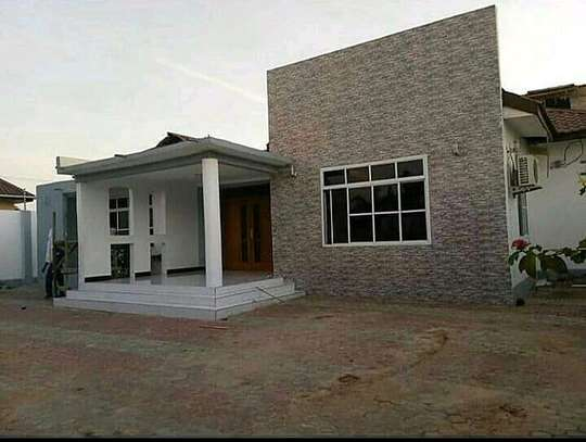 House for rent at boko magengeni image 2