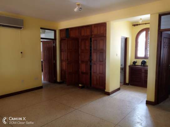 3BED HOUSE AT OYSTER BAY TSH2.5ML image 9