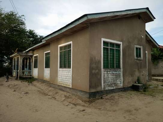 4 bed room house for sale at mbagala nzasa image 5
