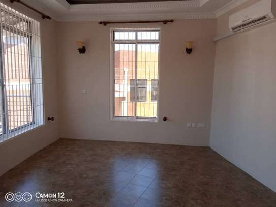 2 beautiful villah for Rent at Oysterbay with 3bedroom each, swimming pool for only usd 4000 image 9