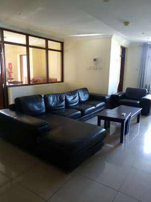 3 bedroom apartment available for rent in Upanga East image 4