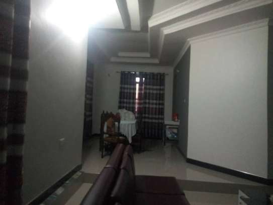 4bed house  at avacado  with nice gaeden and swimming poool image 14