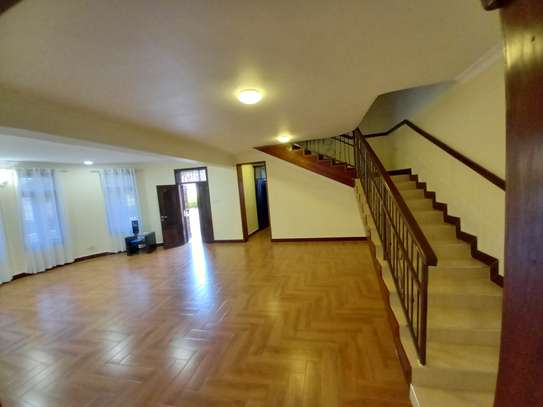 Bungalow and luxury stand alone house for rent at OYSTERBAY image 9