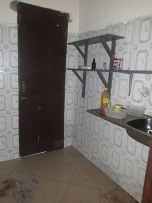 1bed house at mikocheni tsh 300,000 image 4
