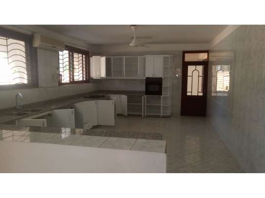 4 big house oom for rent at masaki image 5
