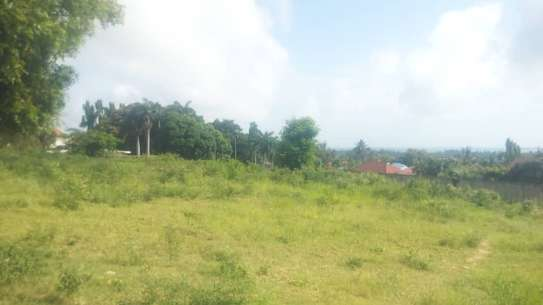 3 actre plot along main rd ideal for  hotel or apartment with sea view $1m image 5