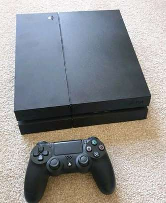 PlayStation 4 console image 1
