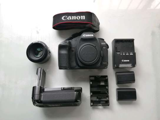 Canon EOS 5D Mark II 21.1 MP Digital SLR Camera.