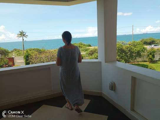 4 bed room house sea view for rent at oyster bay toure drive image 6