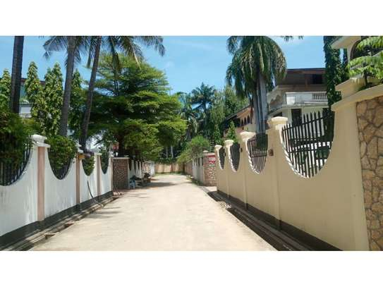 5bed town house at msasani,office,residance $1000pm image 4