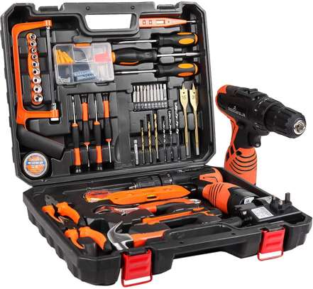 T00L KIT WITH 102 TOOLS AND DRILL