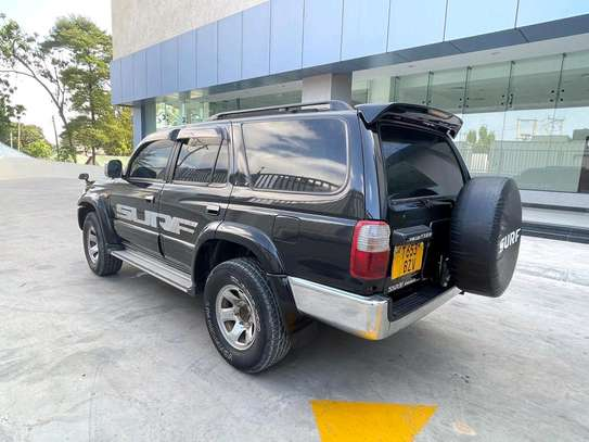 2000 Toyota Hilux Surf image 10
