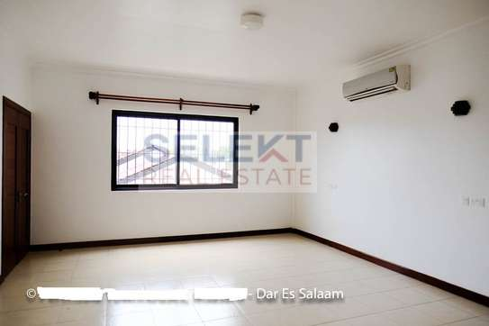 3 Bedrooms Townhouse In Msasani image 8