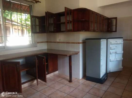 4bed house in the compound at masaki $2500pm image 10