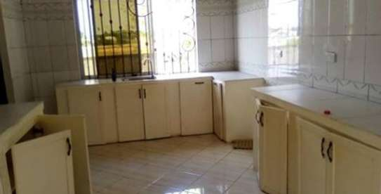 3 bed room big house for sale at kibamba hodongwa image 3