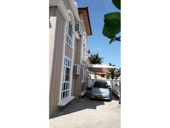 5bed villa at mikocheni $2000pm image 4