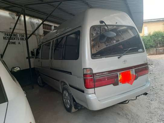 2000 Toyota Hiace Carrier image 4