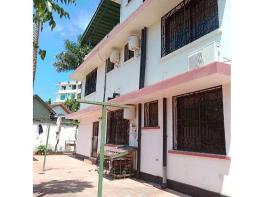 5 bed room house with office for rent at msasani image 1