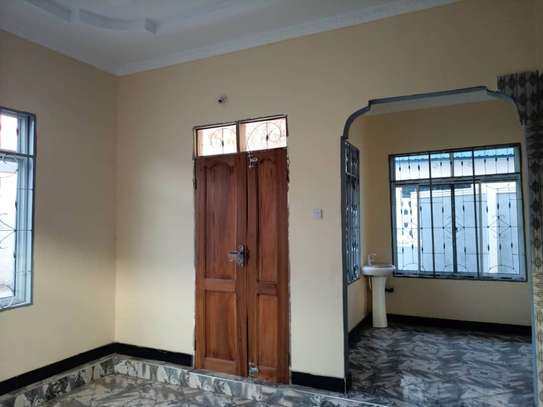 Three  bedrooms stand alone for sale image 5
