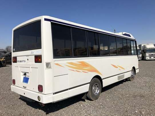 1988 Hino RAINBOW BUS 26SEATER TSHS 33MILLION ON THE ROAD image 4
