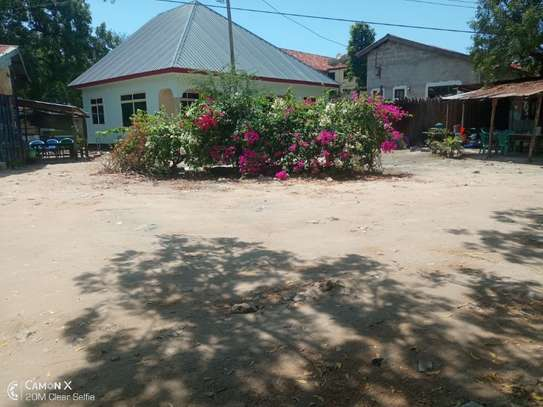 3bed  house at ada estate near leaders club tsh 1000000 image 9