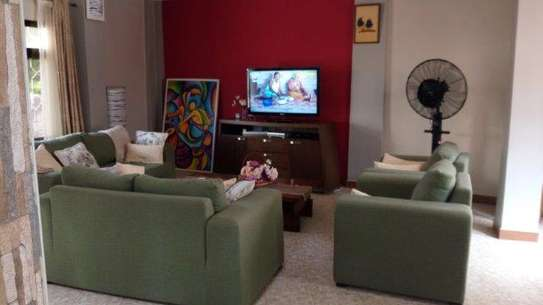 4bed house in the compound at msasani $800pm image 4