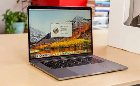 MacBook Pro 16 inches! image 1