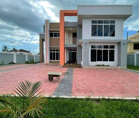 4 bedrooms house at mbezi beach image 4