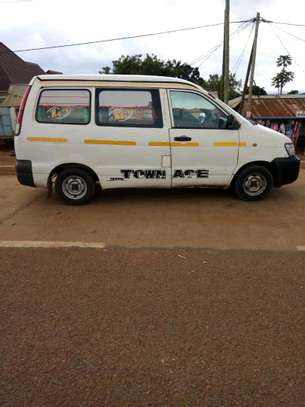2006 Toyota Town Ace image 2
