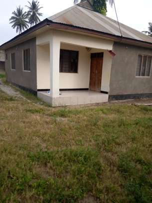 3 bed room house ,and one bed room master for sale at boko basiaya image 4