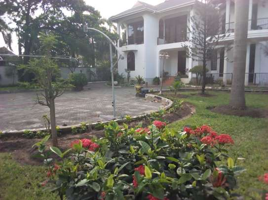 5bed house at mikocheni with pool $2000pm
