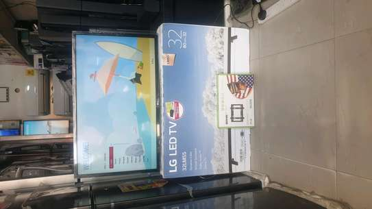 LG LED TV WITH GAME INCH 32 image 2