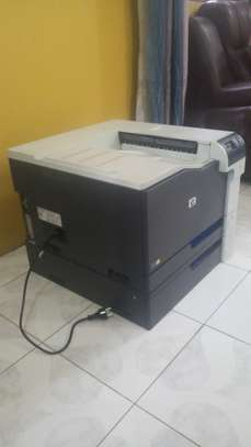 HP Color Laserjet CP5525 Printer image 2