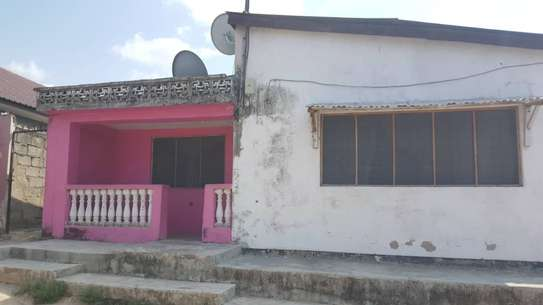 2 HOUSES FOR SALE: image 1