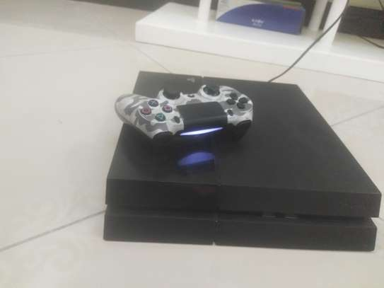 Playstation 4 (PS4) Console