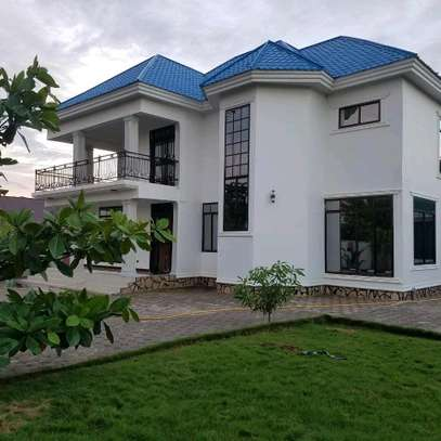 5 Bdrm House in Kigamboni