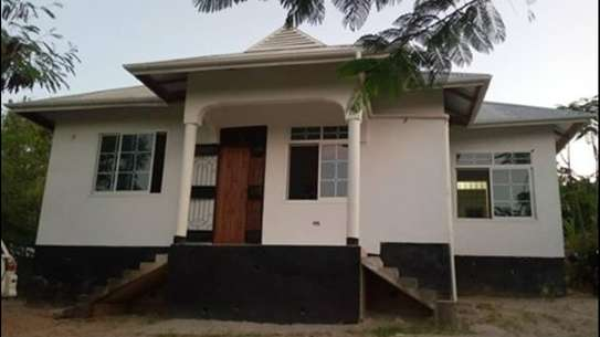 3 bdrms beautiful Hse with Title deed for Sale at Makongo juu.