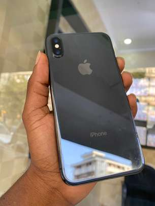 iPhone X 64GB Black for sale image 5