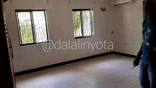 CUTE HOUSE FOR RENT STAND ALONE image 5