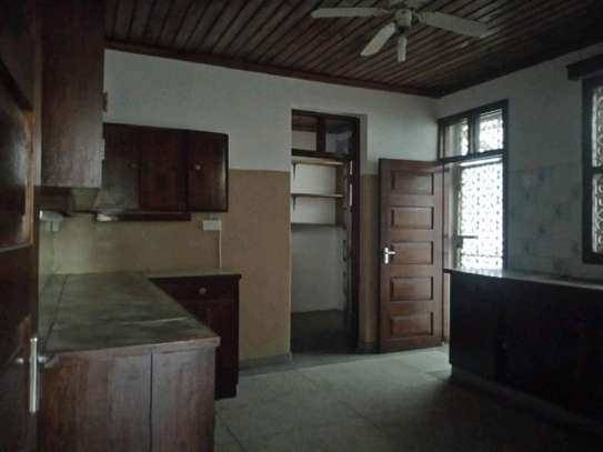 4bedroom house in Mikocheni A' to let $1200. image 8