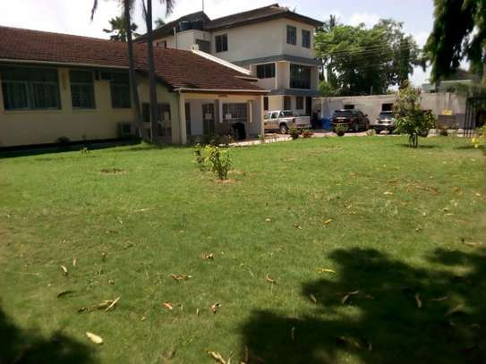 3bed house for office  along main rd at mikocheni a image 4
