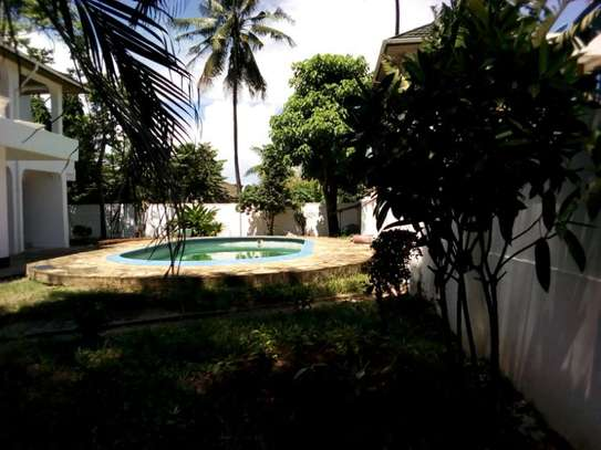 5bed house at mikocheni $2500pm image 9
