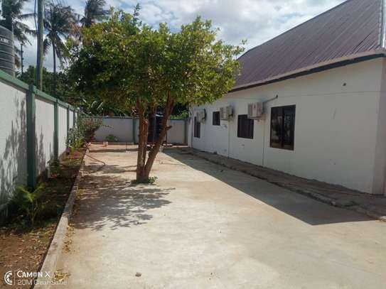 2Bedroom House at Oysterbay $1000pm image 12