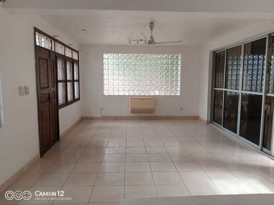 5bdrm stand alone house to let in masaki image 9