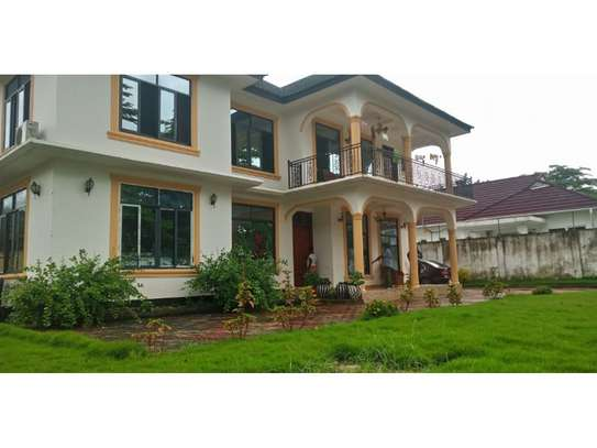3bed in the compound at mbezi beach tsh 1,200,000 image 1