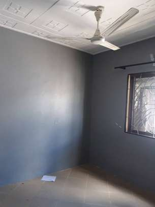3bed room house at victoria tsh 600000 image 6